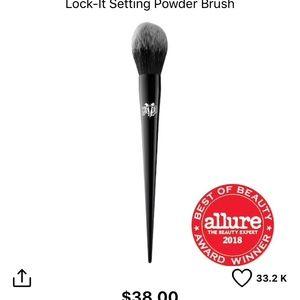 Kat Von D #20 brush